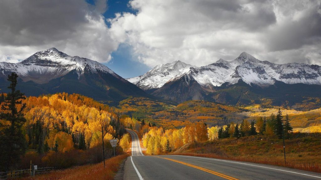 road-to-mountains-fall-season-canada